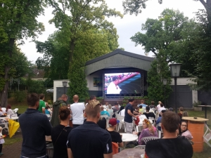 Glauchau - Public Viewing im Theatergarten